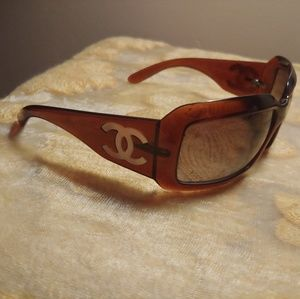 Chanel mother of pearl logo sunglasses